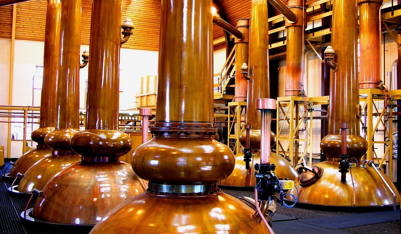 whiskey-stills-1323973-1598x932.jpg